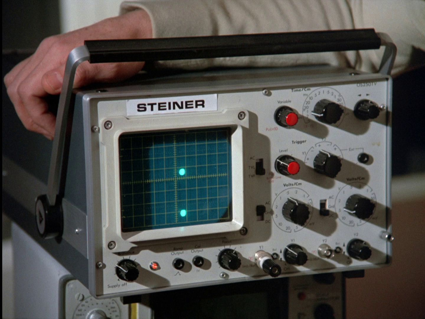 Oscilloscopes Space 1999 Continuity Guide Oscilloscope Control Pannel In Breakaway Matter Of Life And Death Guardian Piri Are Used To Monitor Brain Waves The Unit Monitoring Steiners Is A
